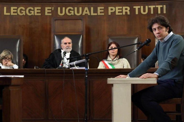 Foto di Marco Cappato al processo.
